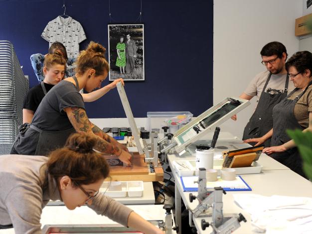 Siebdruckkurs in Berlin - lern drucken mit uns! mehr Infos unter www.nadjagirod.com